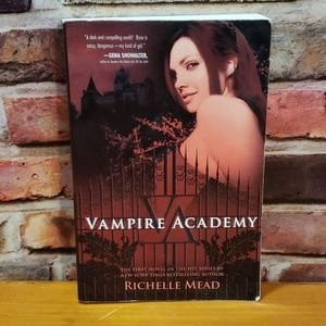 Vampire Academy(book 1 & 2) by Richelle Mead